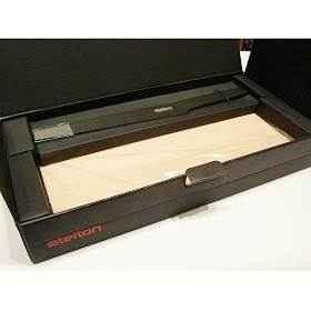 stelton Pure Black Brotmesser mit Schneidbrett